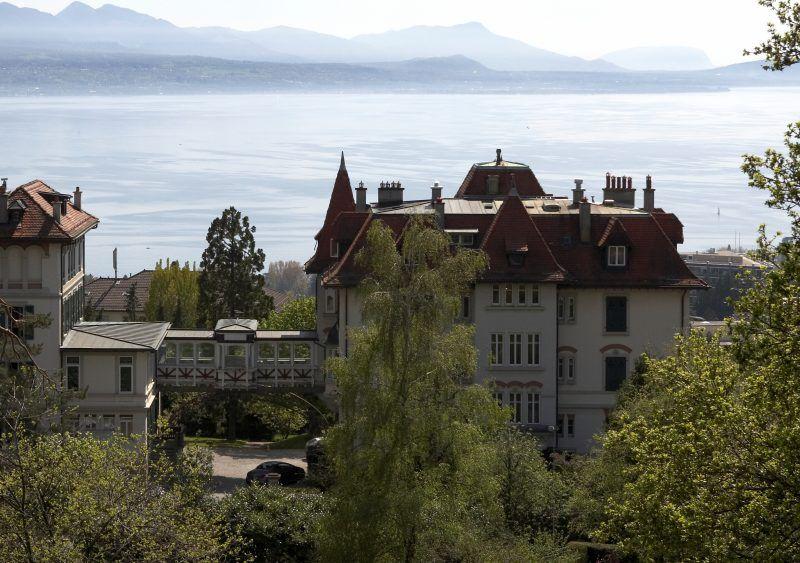 Brillantmont School, l'edificio principale e la vista sul lago