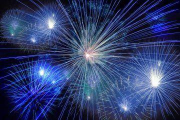 fireworks-574739_1920_CC0-Public-Domain_via_Pixabay