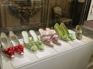 Manolo Blahník. The art of shoes