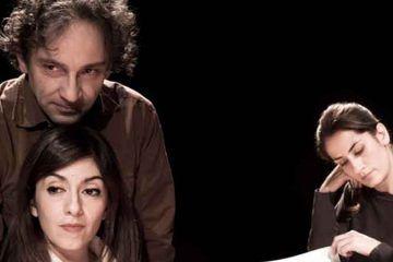 La-donna-che-legge-Teatro-Filodrammatici