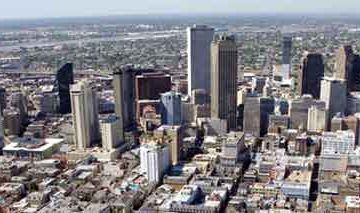 New-Orleans_skyline_from_french_quarter_By-Gonk-(Own-work)-[Public-domain],-via-Wikimedia-Commons