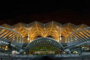 Gare do Oriente (Stazione d'Oriente),_By-Martín-Gómez-Tagle-(Lisbon,-Portugal)-[CC-BY-SA-3.0-or-GFDL],-via-Wikimedia-Commons