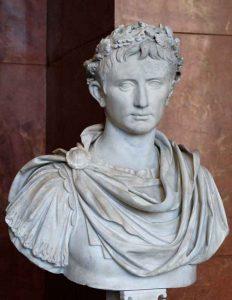 Ritratto-di-Augusto;-I-secolo-a.C.;-marmo;-Museo-del-Louvre,-Parigi---Public-Domain-via-Wikipedia-Commons