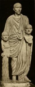 Togato Barberini, Patrizio romano con il busto dei suoi antenati, ultimo decennio del I sec. a.C. - Public Domain via Wikipedia Commons