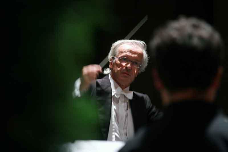 Laverdi rende omaggio al compositore adriano guarnieri for Pietro milano orologi