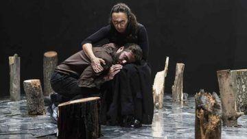 Utøya - Mattia Fabris e Arianna Scommegna - Teatro Filodrammatici - Foto Serena Serrani