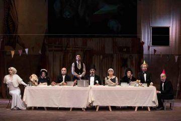 Mr. Pùntila e il suo servo Matti - Teatro Elfo Puccini - foto di Laila Pozzo.