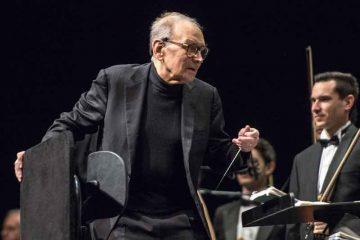 Il Maestro Ennio Morricone [Image: Di Sven-Sebastian Sajak (Opera propria) [CC BY-SA 3.0 o CC BY-SA 4.0], via Wikimedia Commons]