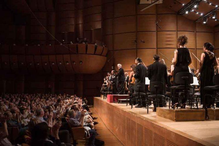 Claus-Peter-Flor-dirige-laVerdi-nelle-Sinfonie-di-Beethoven©StudioHanninen-(7)