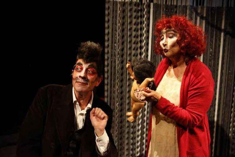 Fuga in città sotto la luna - Teatro Elfo Puccini - foto di Luca Del Pia