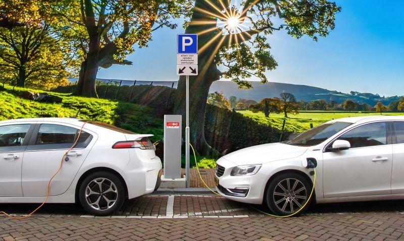 auto elettriche e ibride