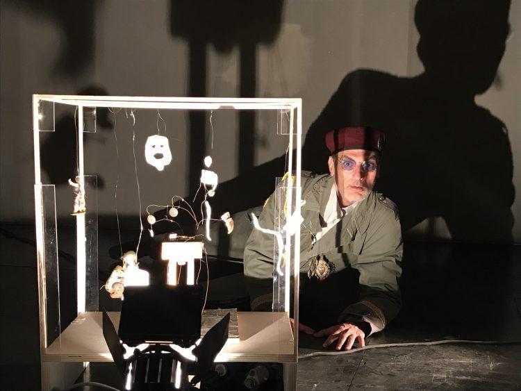 Roberto Trifirò in Edipus, al Teatro Out Off - foto di Gianni Caluccio