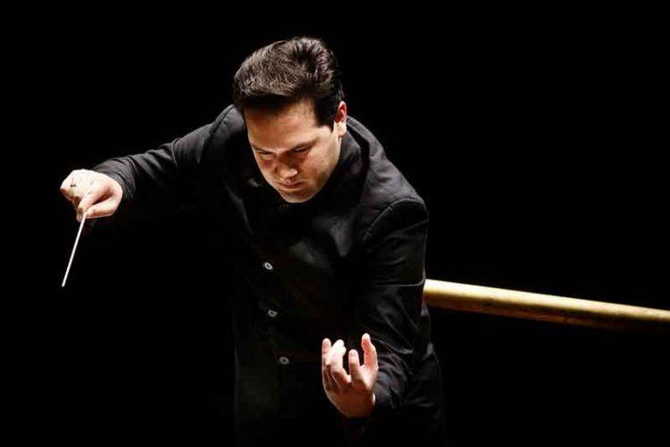 Robert Trevino dirige l'Orchestra Sinfonica di Milano - photo Musacchio & Iannello