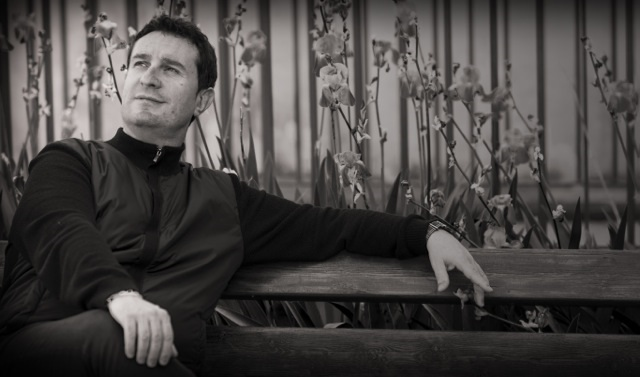 Ad accompagnare l'Orchestra Verdi sarà Calogero Palermo, attualmente primo clarinetto presso la prestigiosa Royal Concertgebouw Orchestra di Amsterdam.