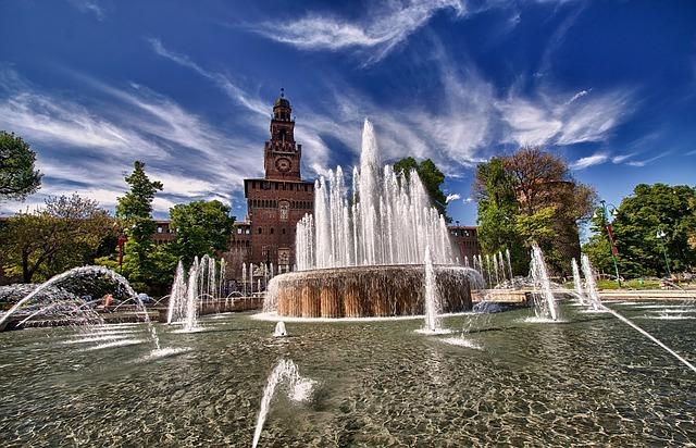 Il Castello Sforzesco ospita la rassegna estiva Estate Sforzesca, con spettacoli di danza, concerti e rappresentazioni teatrali (photo CC0 Creative Commons, via Pixabay)