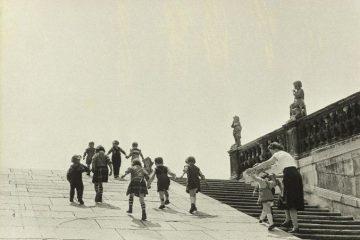 Erich Lessing, Belvedere Gardens, Vienna, Austria, 1954; © Erich Lessing/Magnum Photos