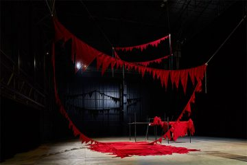"Pirelli HangarBicoccaospita la mostra ""Remains"" dedicata a Sheela Gowda"