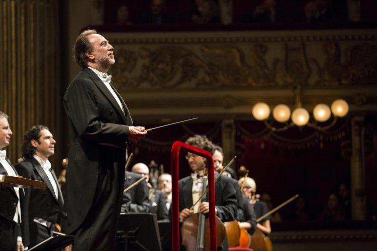 Il Maestro Riccardo Chailly dirige la Filarmonica della Scala