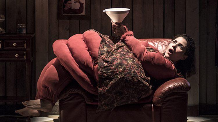 """""""La donna più grassa del mondo"""" al Teatro Filodrammatici - foto © Nicolò Degl'Incerti Tocci"""